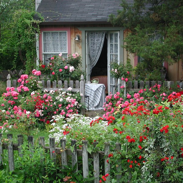 Creating An Easy-Care Cottage Garden